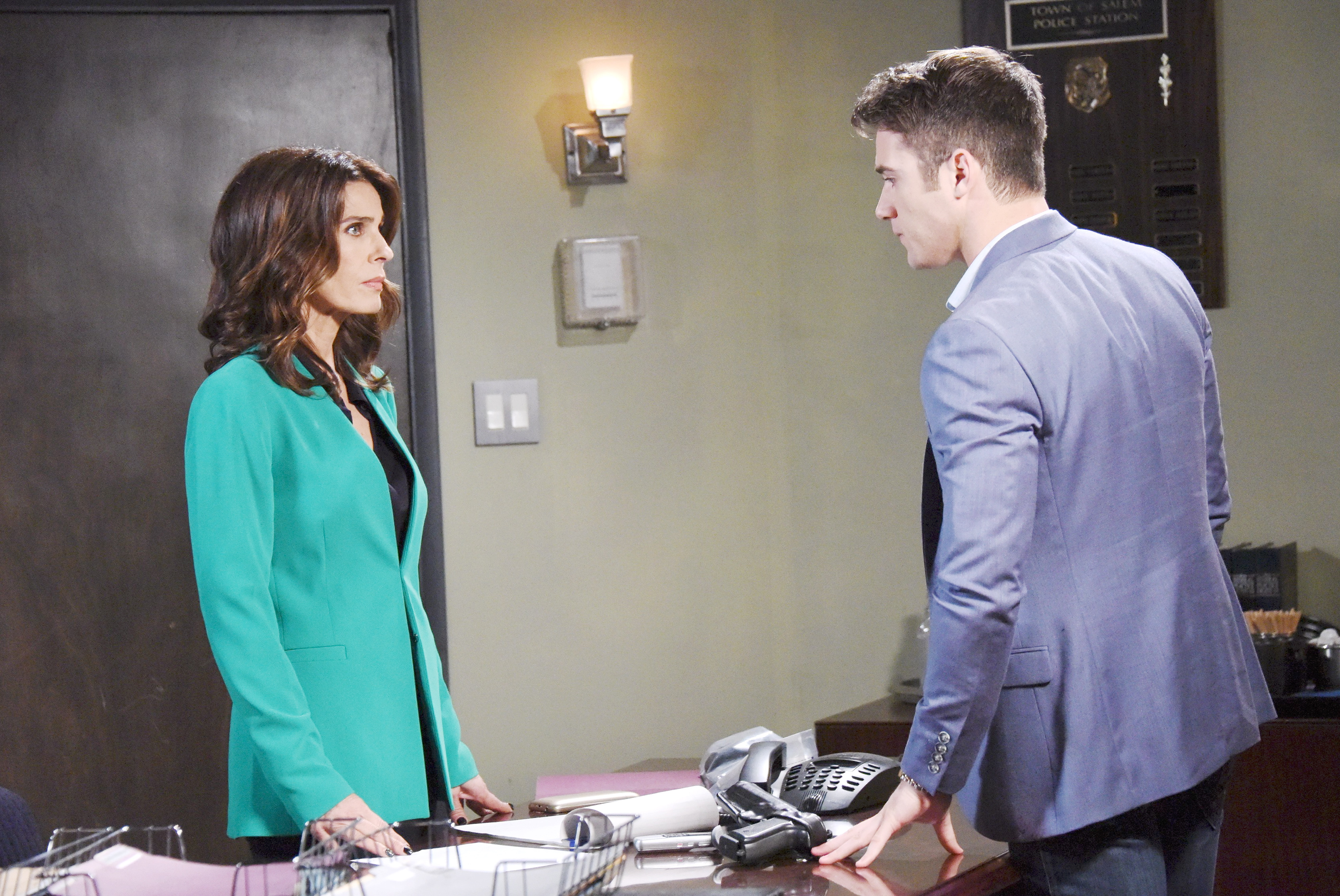 Days Of Our Lives Spoilers: Abe orders Hope to fire JJ.