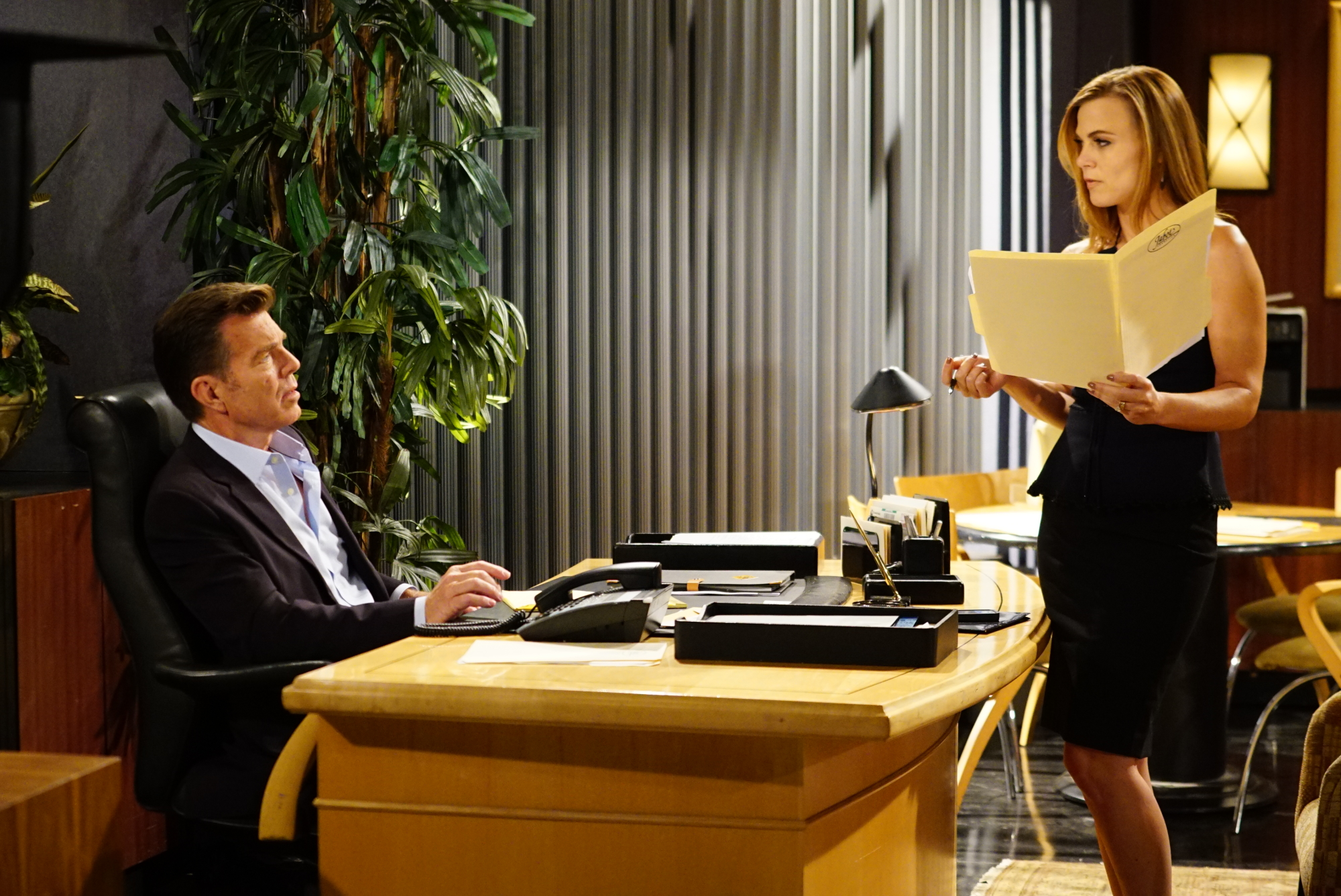 Jack (Peter Bergman) and Phyllis (Gina Tognoni) acting a scene on The Young and the Restless