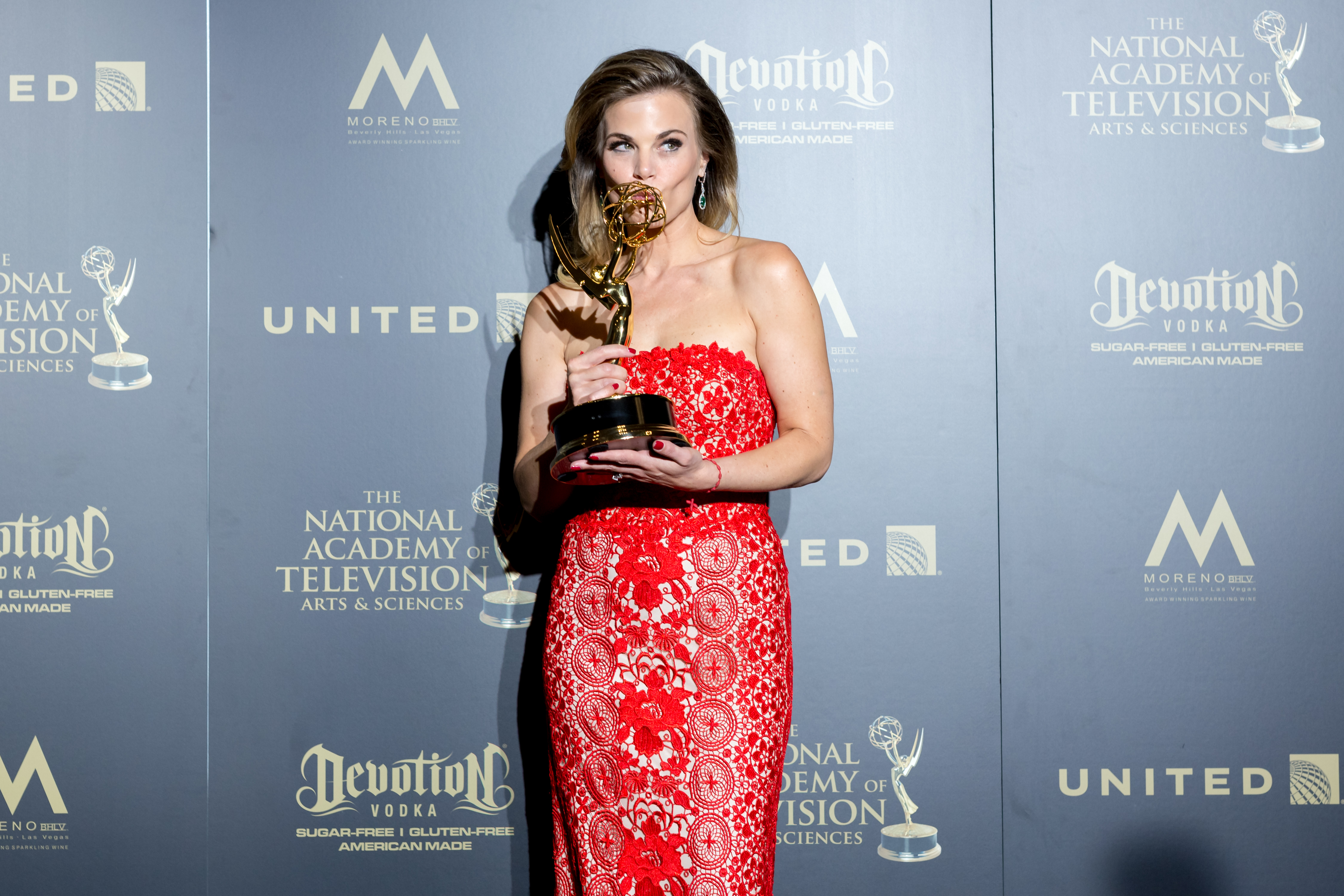 Gina Tognoni wins an Emmy for Lead Actress in Y&R