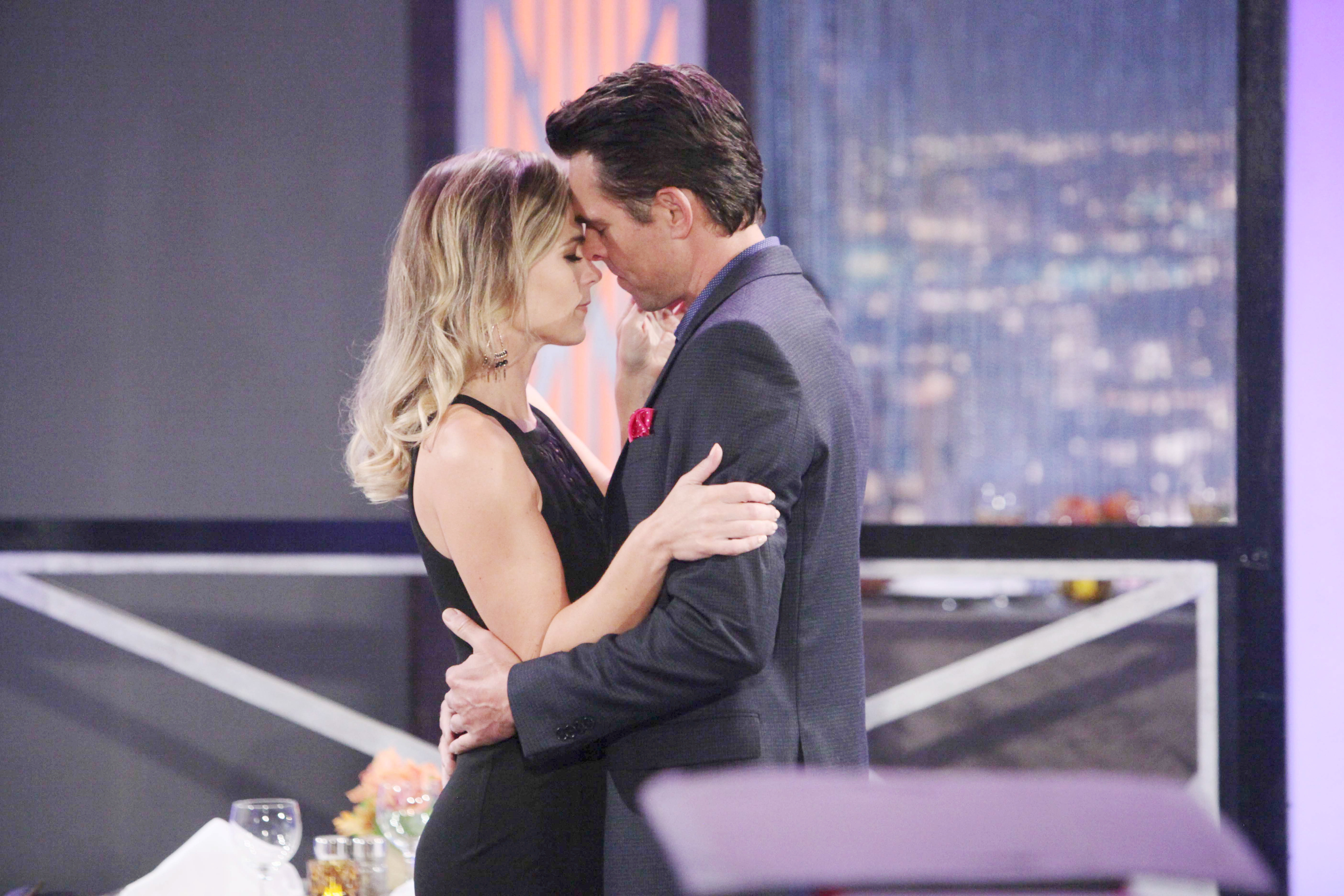 Gina Tognoni (Phyllis) and Jason Thompson (Billy) share a close moment on The Young and the Restless
