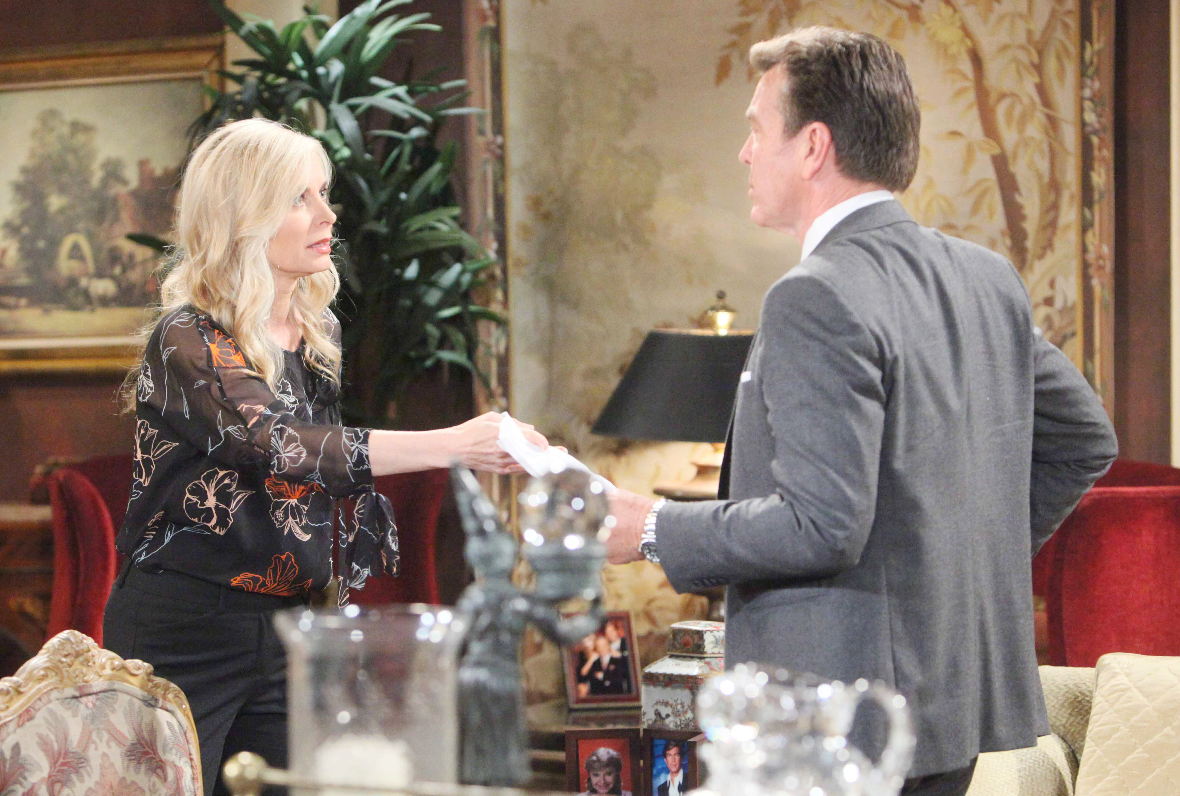 Y&R Spoilers: The Abbotts' holiday is overshadowed by a secret.