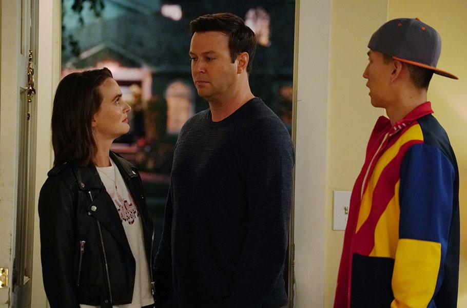 """Single Parents - Season 2, episode 9: """"A Place Where Men Can be Men"""""""